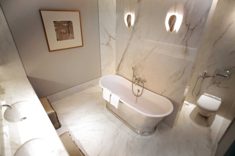 Calacatta Crema Marble Bathroom Pattern Matched Wall Bookmatched Floor London