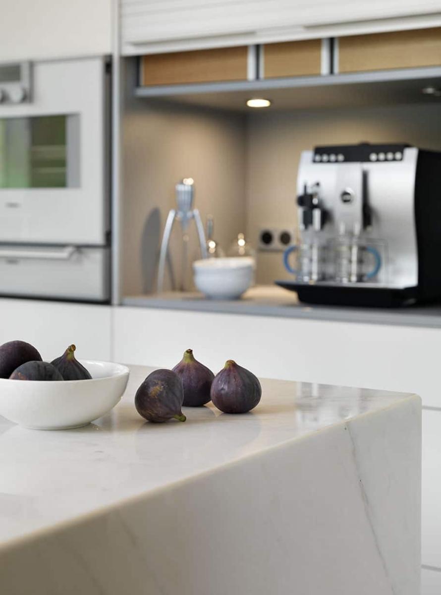 Calacatta Crema Marble Kitchen Countertop With Waterfall Mitred Corners London