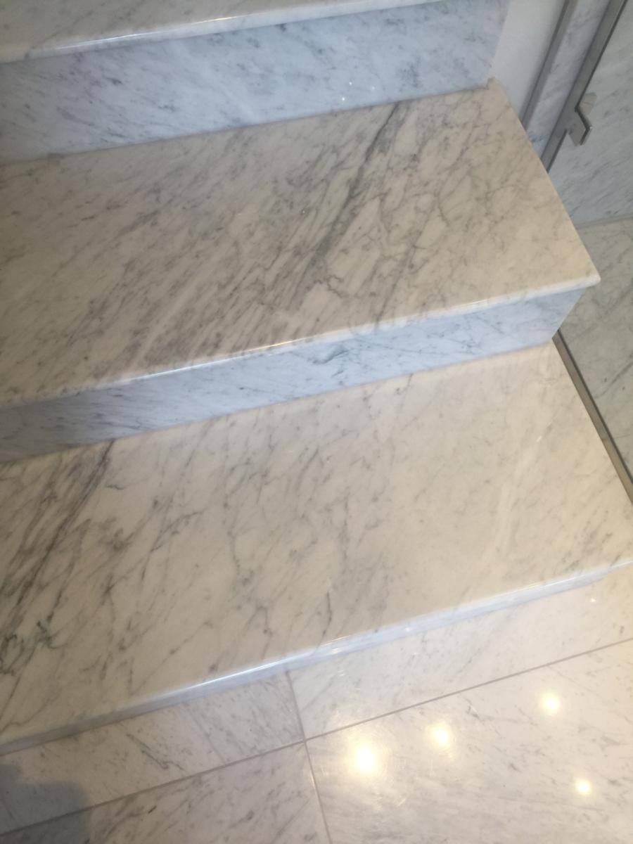 Carrara Marble Bathroom Steps White 1