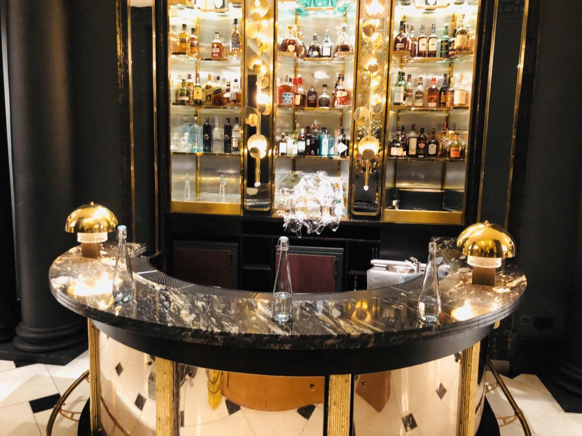 Granite Black Gold Bar Worktop London