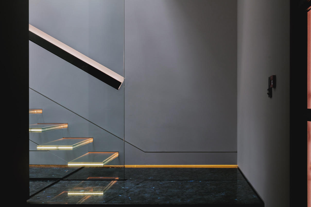 Madagascar Granite Steps Stairs Floor Sparkle London 4